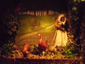 Nachgestellte Szene aus der Geschichte des Nun's Priest mit Hahn, Henne, Fuchs und Witwe