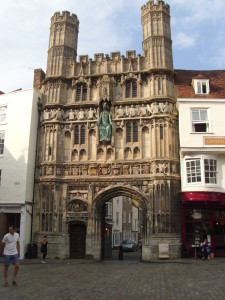Das Christ Church Gate der Kathedrale von Canterbury