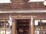 """Geschäftsschild """"Sweet Expectations"""""""