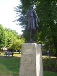 Statue von Pocahontas auf einem Friedhof in Gravesend